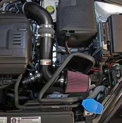 Le filtre à air K & N, numéro RC-2960, inclus avec l'entrée d'air pour Ford Mustang GT 5.0L 2015 est protégé par un filtre à air spécifique à l'application