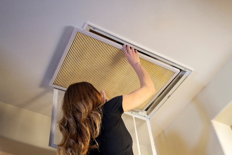 Installing a K&N home air filter